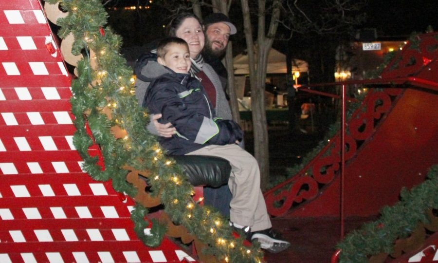 "Attendees of this year's ""Starry November Night"" could enjoy pictures with Santa, train rides and local vendors in downtown Hammond."
