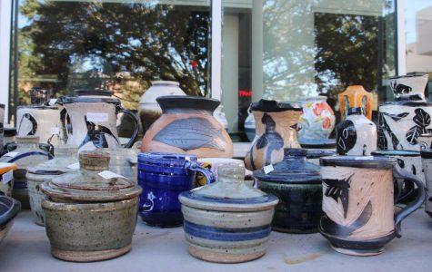 Club sells ceramics for the holiday season