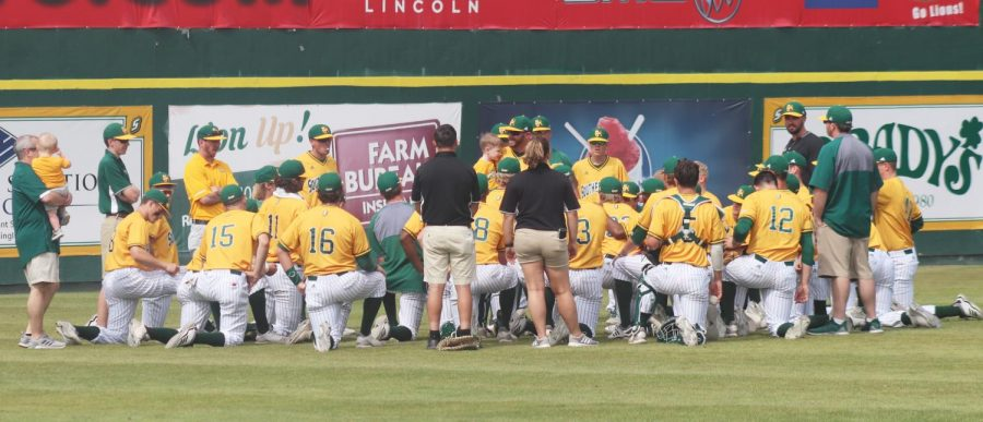 The+Lions+baseball+team+discusses+Sunday%E2%80%99s+8-3+victory+over+Abilene+Christian+University+after+the+game.+On+Sunday%2C+1%2C236+fans+attended+the+game+in+the+Pat+Kenelly+Diamond+at+Alumni+Field.+Baseball+has+seen+a+steady+increase+in+attendance+and+leads+the+Southland+Conference+in+fan+attendance+since+Matt+Riser+took+over+as+head+coach.+