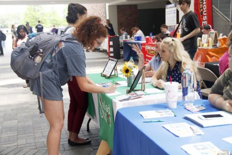 Students seek employment at 'Part-time Job Fair'