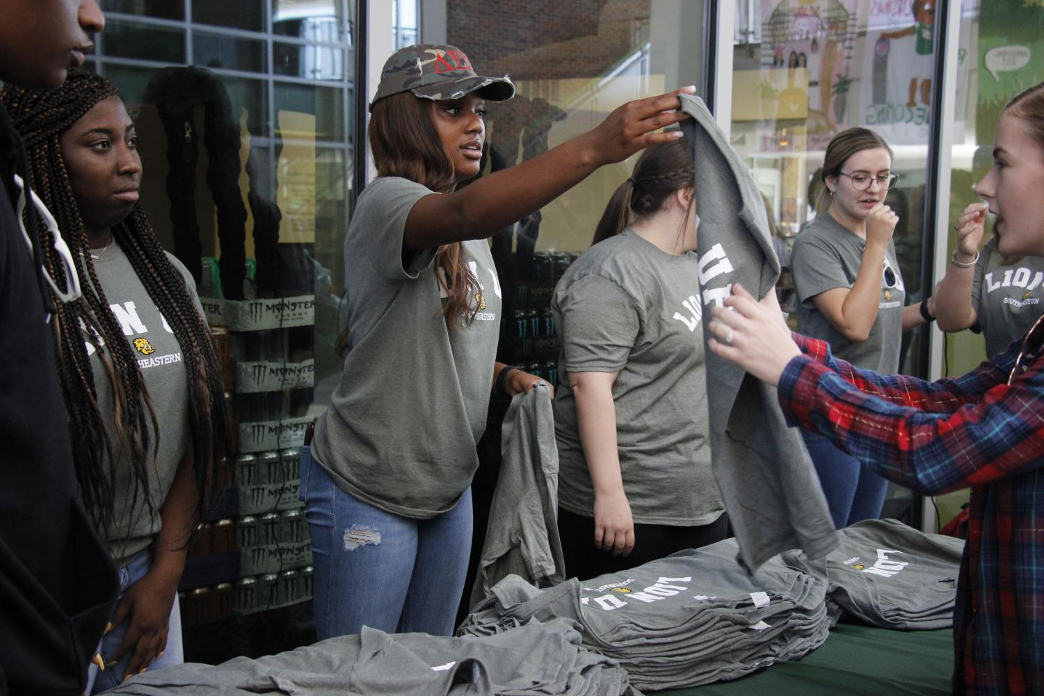 The Student Government Association hosted a T-Shirt Swap to celebrate Homecoming Week and Lion Up Tuesday. In order to boost school spirit, SGA has decided to give away free Lion Up T-shirts one Tuesday a month starting on Oct. 8.
