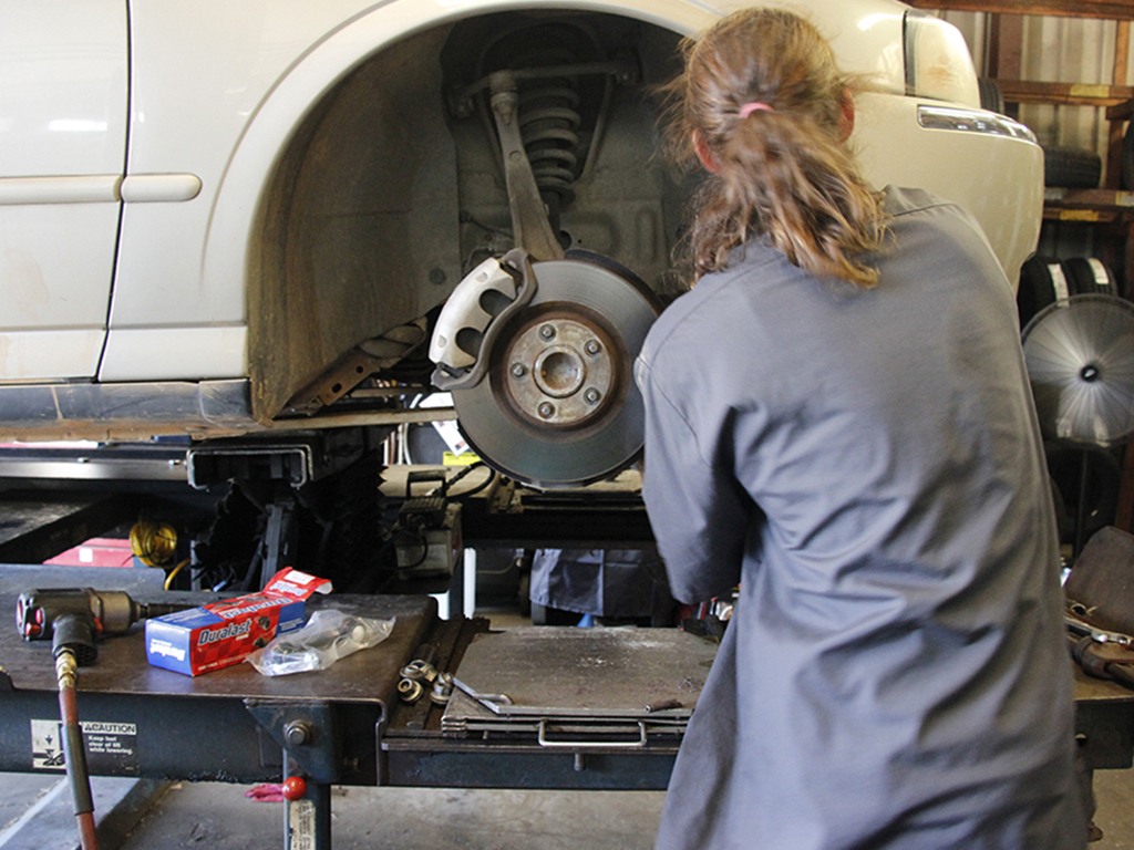Performing routine maintenance checks can help prevent automobile troubles. Many auto shops provide services for basic car care.