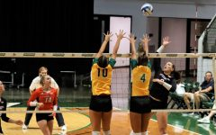 Volleyball loses 0-3 from troubles on offense