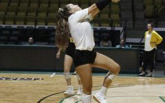Volleyball team victorious against Lamar University