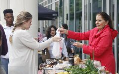 Farmer's Market brings local businesses to campus