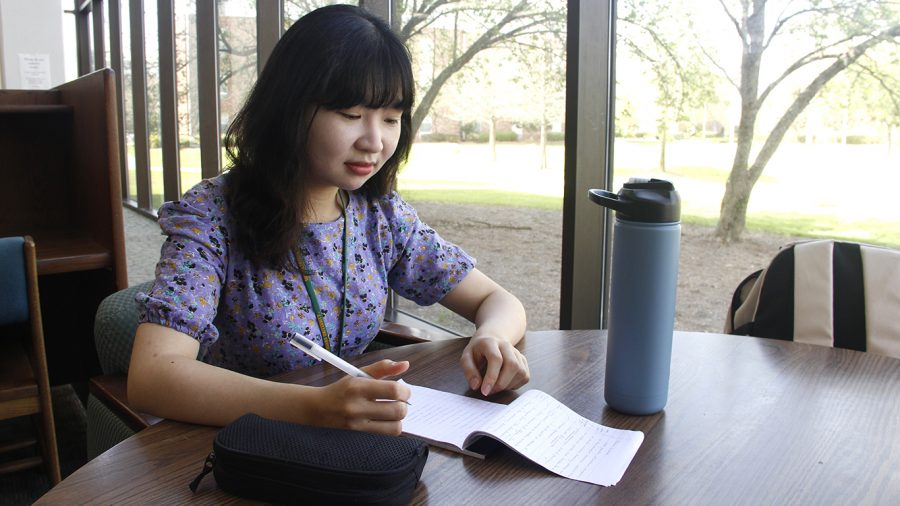 Freshman+Sori+Lim+shared+her+concerns+as+a+Korean+international+student+on+the+campus+closures+and+transition+to+online+classes.+