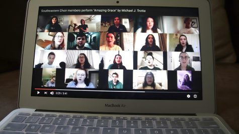 Students collaborate in online choir performance