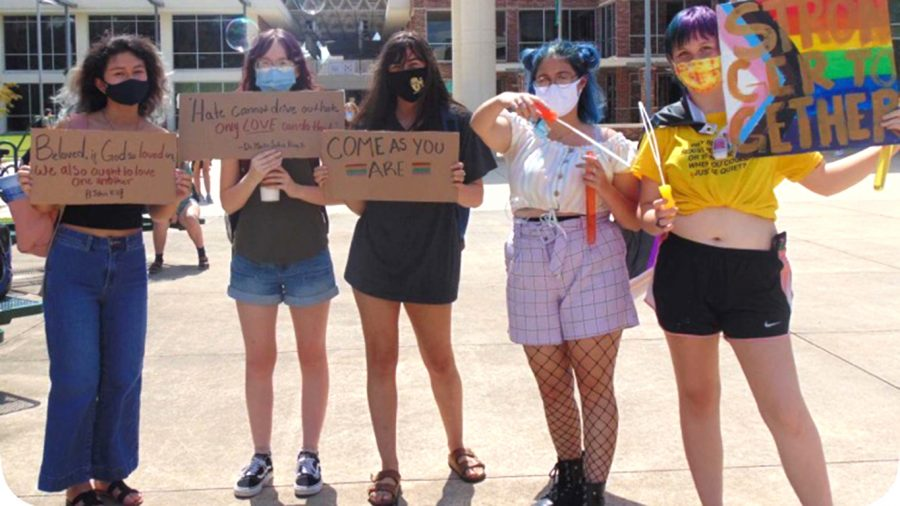 Students gather outside the union on Thursday, Sept. 10 to spread their own messages to bystanders at the Student Union area.