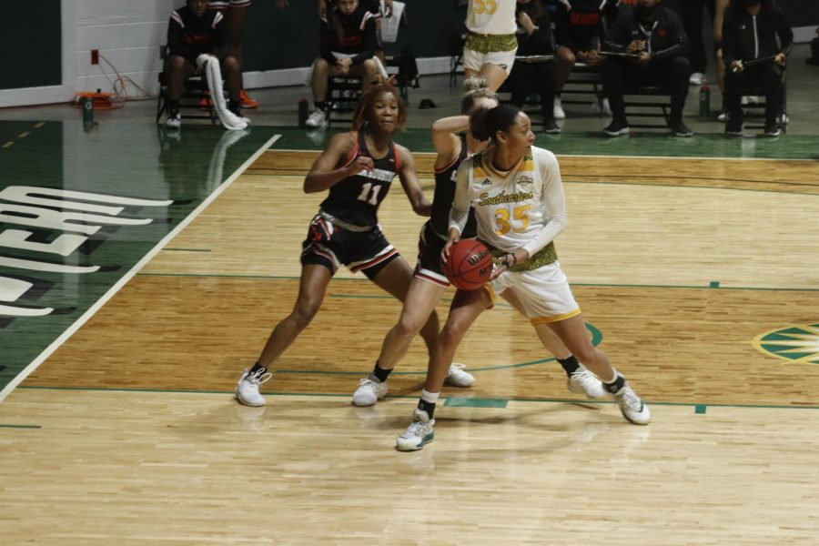 Lady Lions knock off Sam Houston with buzzer beater