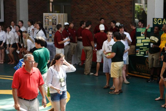 Summer orientation acclimates new students to campus