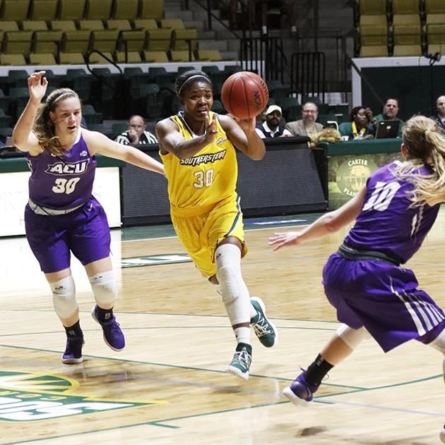 Womens basketball looks to close season on a high