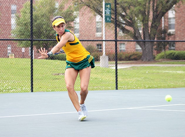 Tennis trio awarded for academic excellence