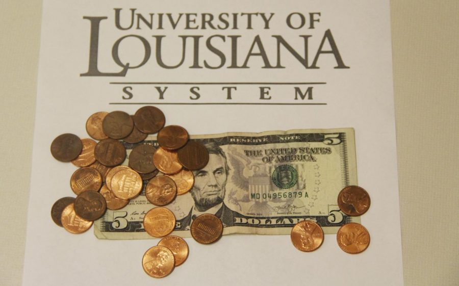 Student+fees+will+increase+by+%245.30+per+credit+hour+at+the+university+this+spring+semester.+The+fee+increase+follows+a+University+of+Louisiana+System+wide+decision.+