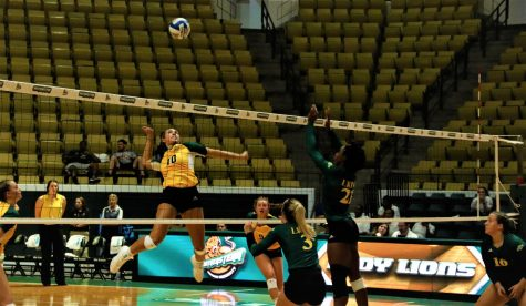 """""""Green & Gold Match"""" prepares Lady Lions for the volleyball season"""