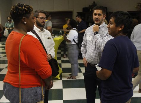 Alumni Center helps students prepare for 'Career Fair'