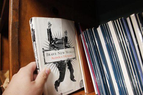 Huxley's 'Brave New World' still relevant to youths