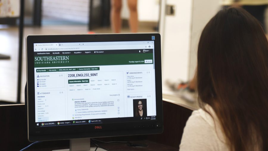 Students have been adjusting to the new format of hybrid classes, consisting of both classroom time and virtual participation. They shared their experiences with hybrid learning and discussed how the circumstances differ from previous semesters