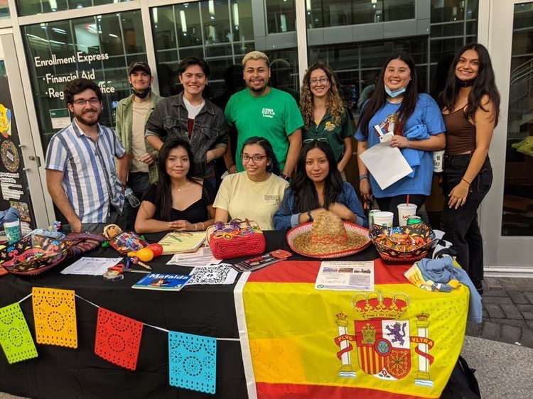 The+Spanish+Club+talks+to+students+about+cultural+knowledge+with+their+booth+at+the+Day+in+the+Park+event+that+took+place+on+Sept.+30.+Top+left+to+right%3A+Zachary+McCray%2C+Bryant+Paul+Fontenot%2C+Ruben+Pereyra%2C+Juan+Castro%2C+Sharon+Ortiz%2C+Teresa+Huerta%2C+Emily+Petit.+Bottom+left+To+right%3A+Kathery+Esqueda%2C+Zaira+Martinez+and+Vanessa+Hernandez.+