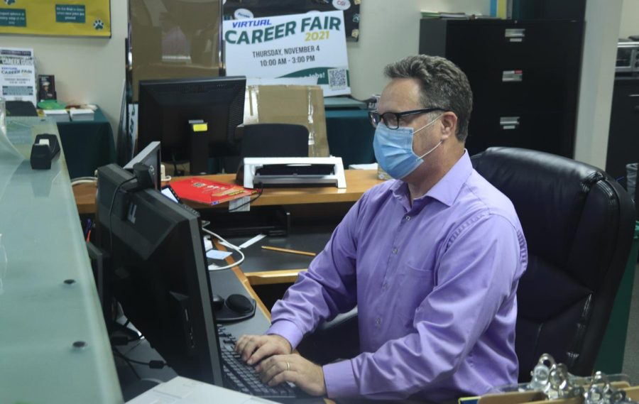 Virtual Career Fair expands job search opportunities for students